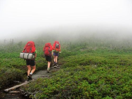 Hiking on Appalachian Trail (Credit: Chewonki Semester School/Flickr/CC-BY-2.0)